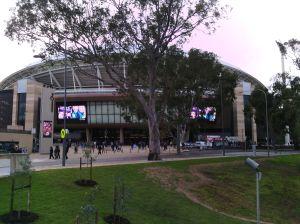 Az új Adelaide Oval footy meccsel